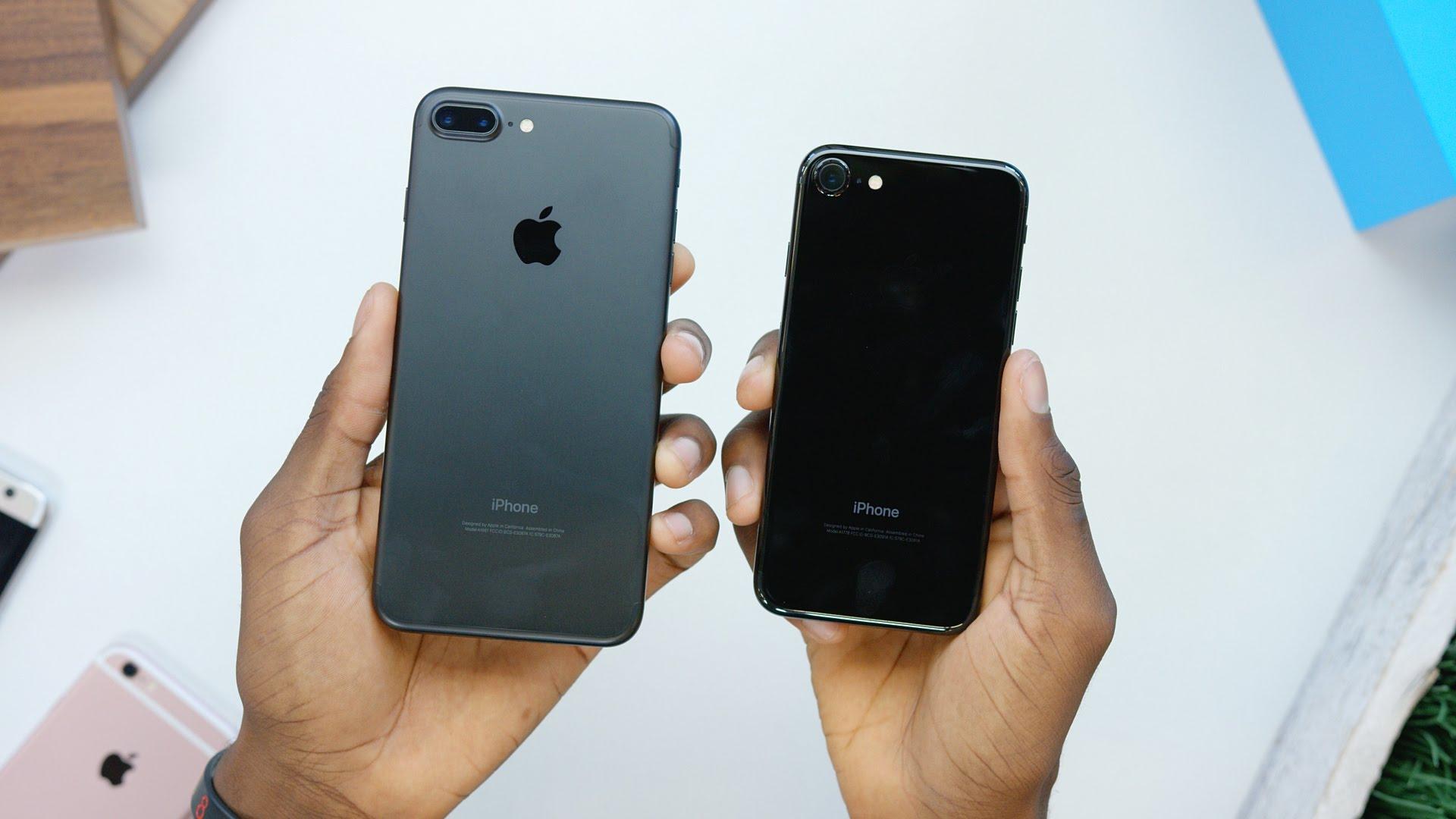 iPhone 7 Jet Black dễ bị bám vân tay