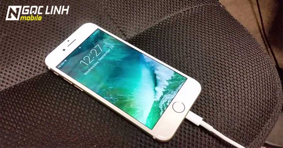 sạc iphone - Khi sạc iPhone tuyệt đối tránh những điều này