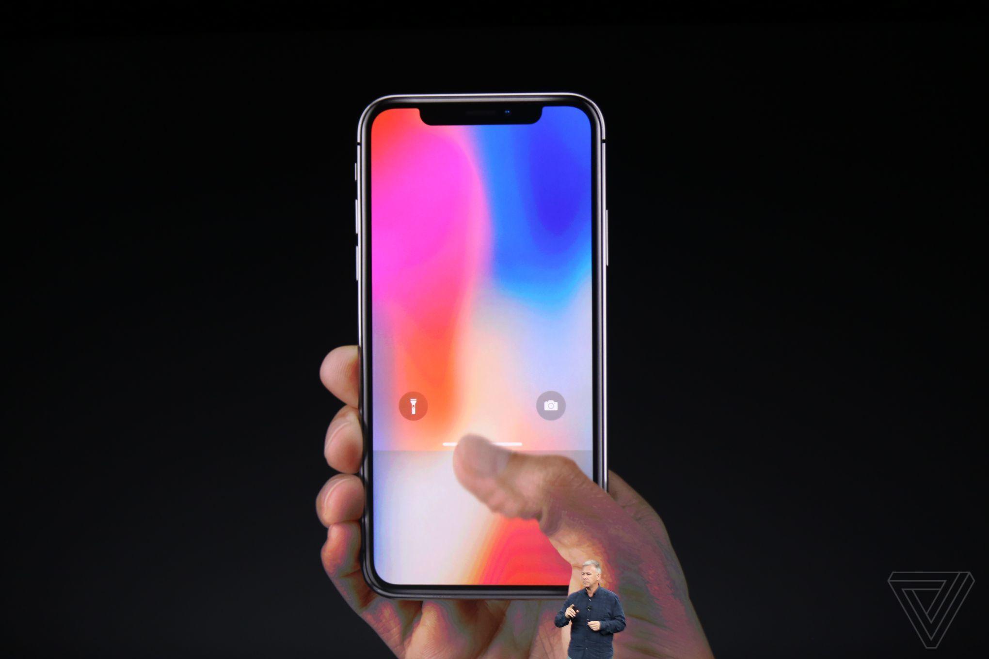 iPhone X lên kệ  iPhone X lên kệ - iPhone X lên kệ Apple gần cán mốc công ty nghìn tỷ USD