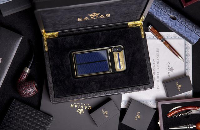 iPhone XTesla iPhone X Tesla - iPhone X Tesla phiên bản 4000 USD sử dụng pin mặt trời
