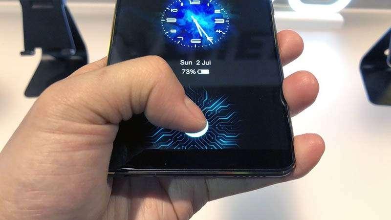 apple Apple - Apple phát triển cảm biến vân tay siêu âm nhúng trong màn hình iPhone