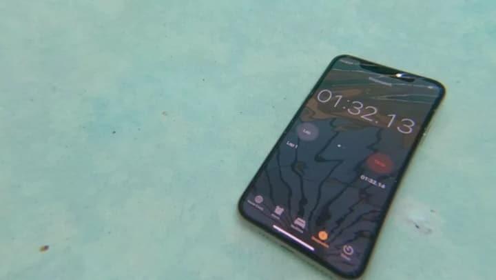 iPhone Xs Max iphone xs max - Chuẩn kháng nước IP68 của iPhone Xs Max như thế nào?