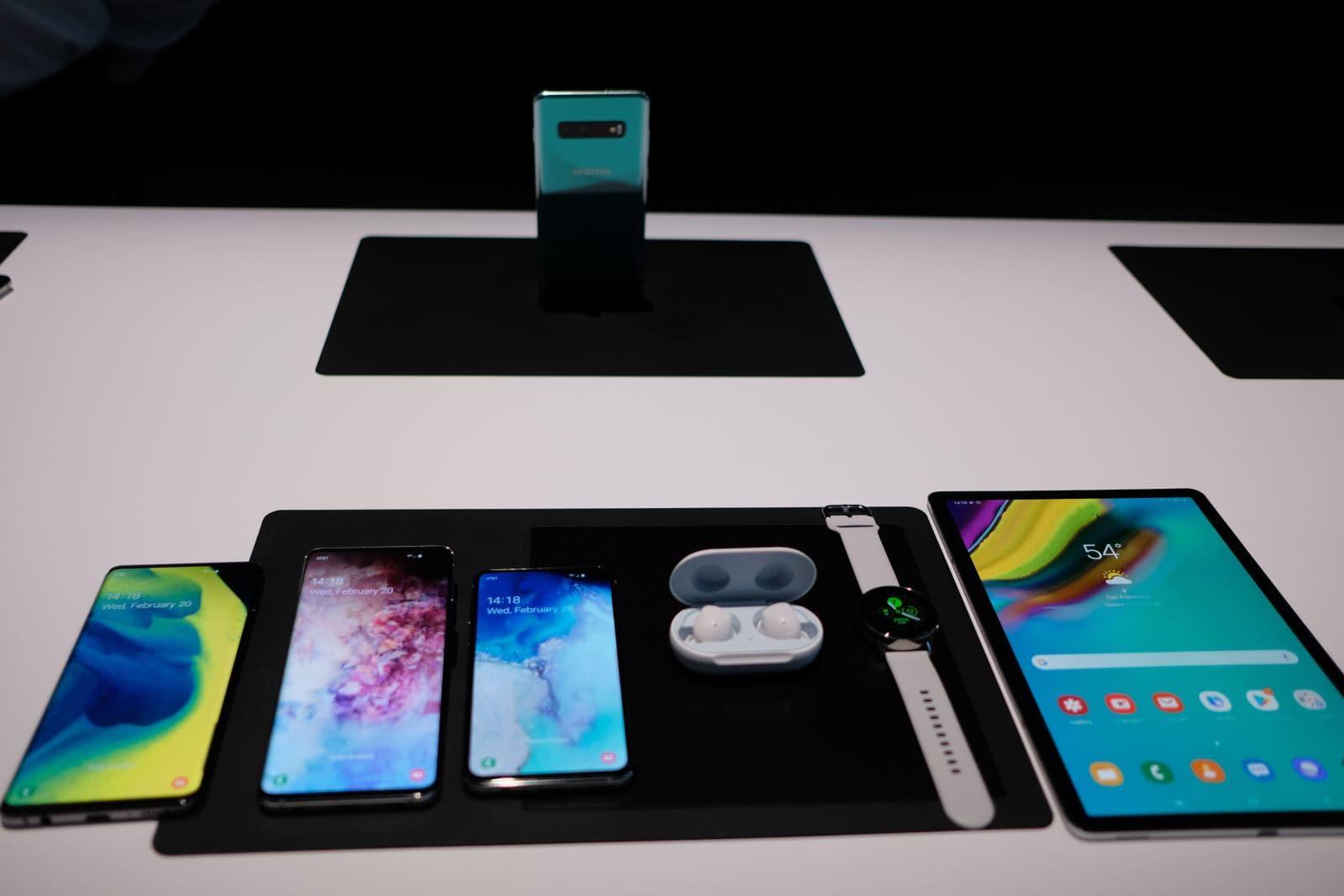 Galaxy S10 Galaxy S10 - Cùng ngắm bộ ba tuyệt tác của Samsung: Galaxy S10 , S10+ , S10e
