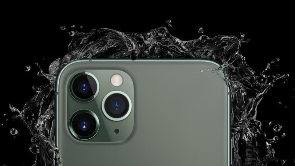 iphone 11 pro max - Cùng chuẩn IP68, vì sao iPhone 11 Pro Max lại chống nước tốt nhất?