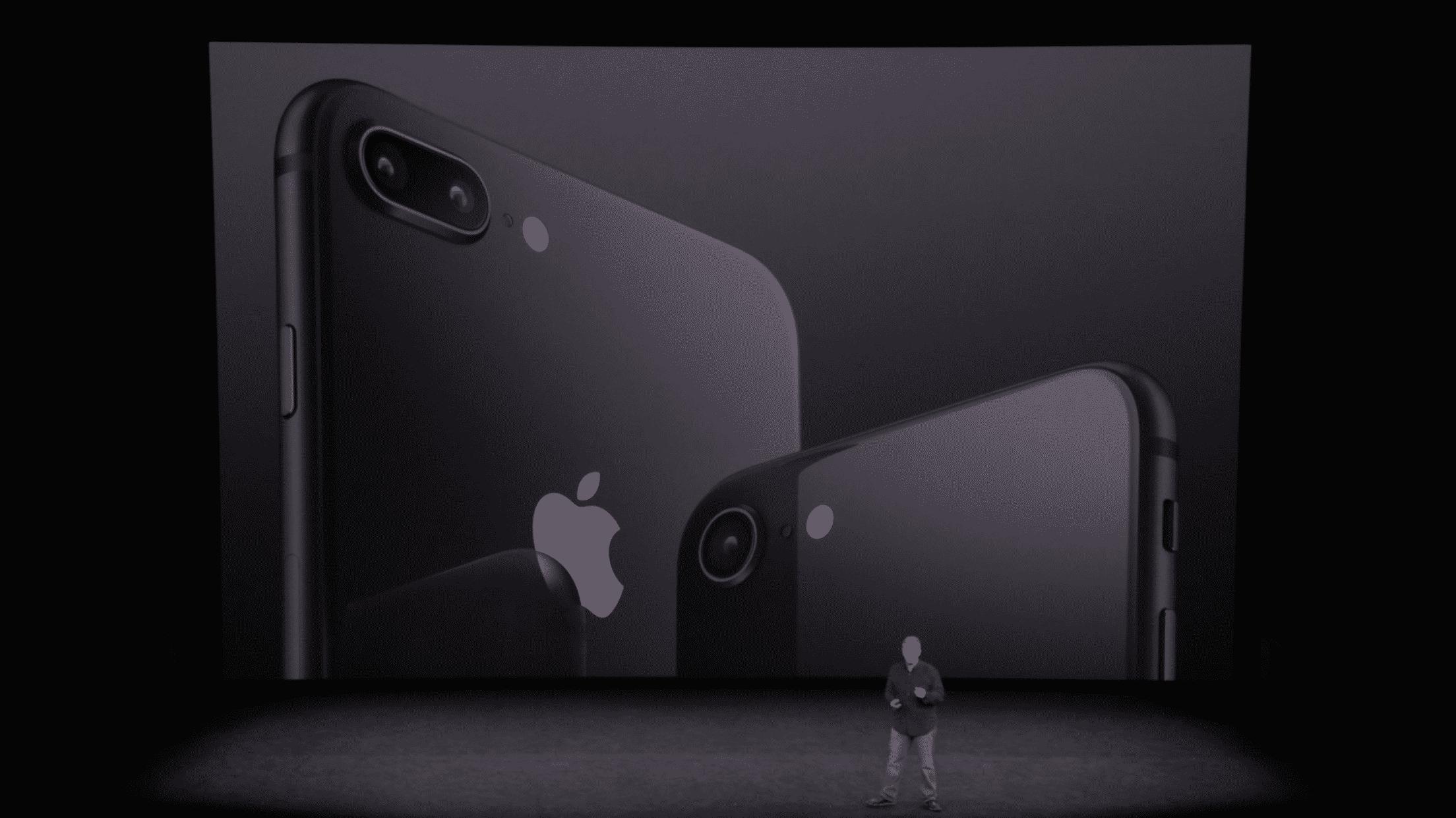 iPhone 8 và 8 Plus đến cuối tháng 10, đầu tháng 11 mới lên kệ chính thức. Tuy nhiên nhiều người dự đoán giá iPhone 7 và 7 Plus từ giờ đến lúc đó khó giảm thêm hoặc chỉ giảm rất nhẹ.