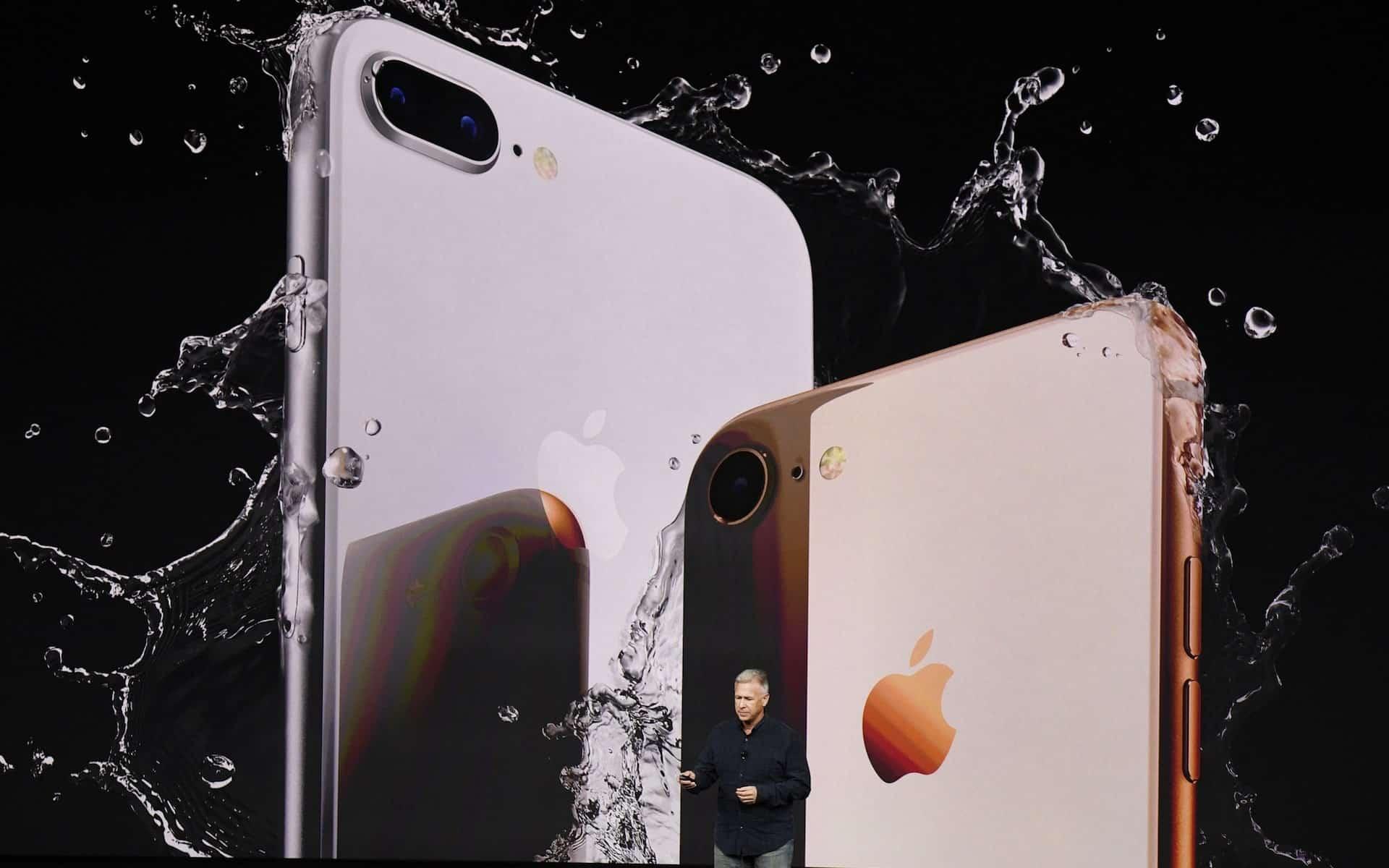 iPhone X Plus và SamSung Galaxy S10