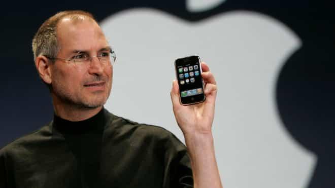 Bạn nghĩ sao nếu như SteveJobs đưa phím back lên iPhone