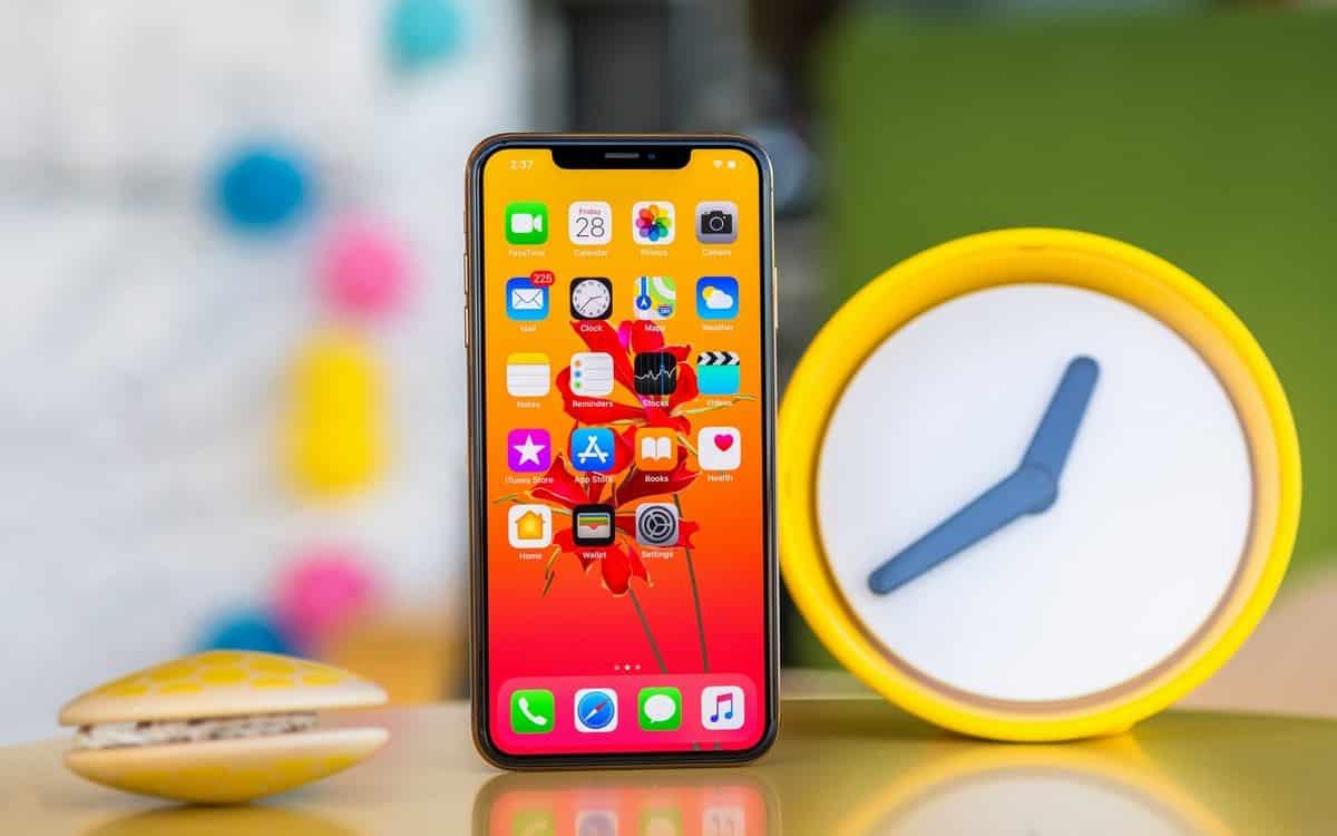 Mua iPhone đời cũ, được gì và mất gì?